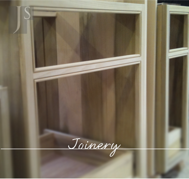 Graphic link to J Simpson Joinery Page
